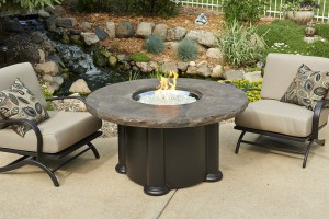 60,000 BTU Outdoor GreatRoom 48 in. Colonial Fire Pit Table