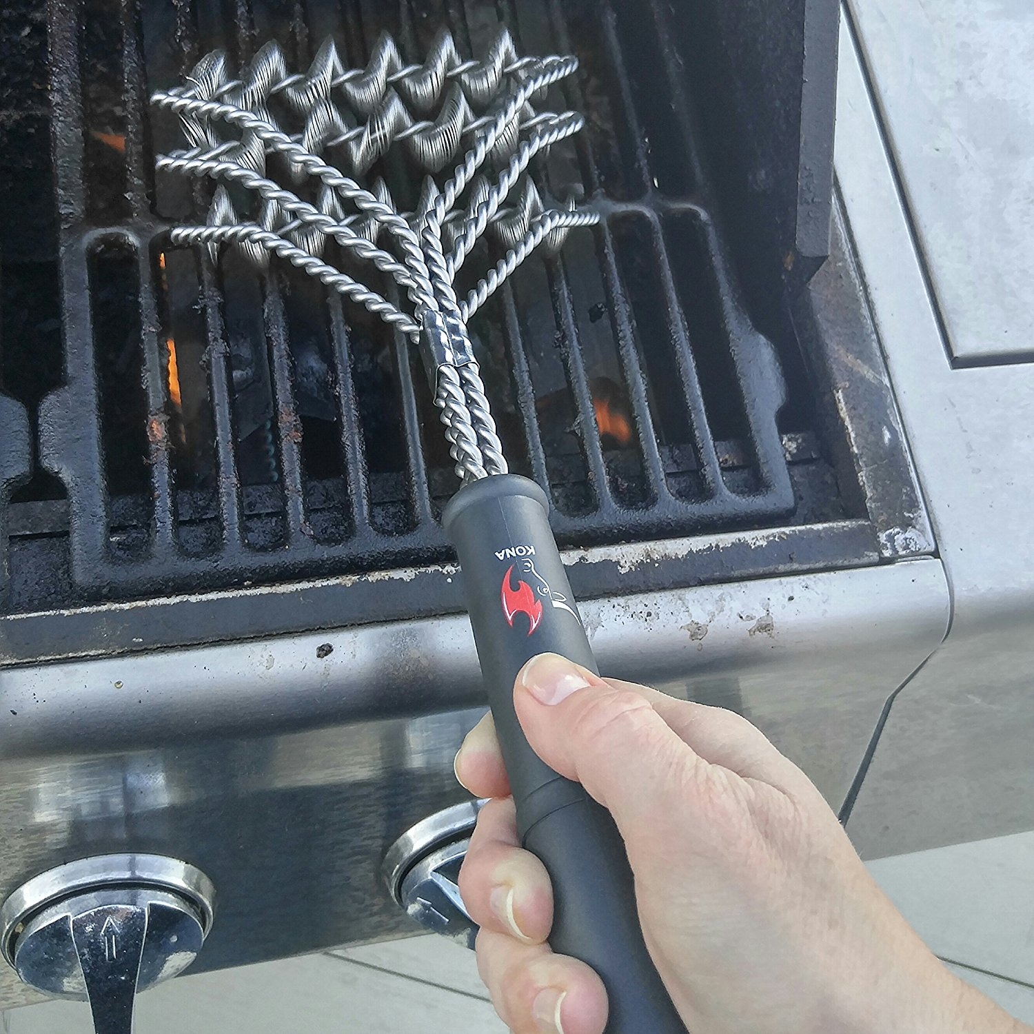 Cleaning A Grill Without A Wire Brush Grill Wire Brush Alternatives Outdoor Fire Pits Fireplaces Grills